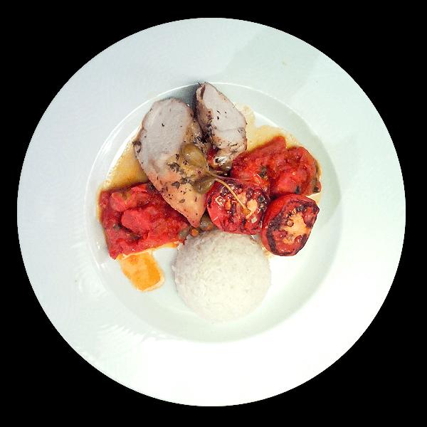 Steak z krůtích prsou s rajčatovým pyré a dušenou rýží